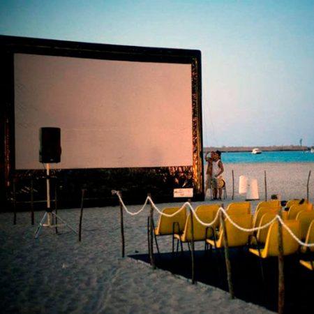 schermo quadrato cinema spiaggia